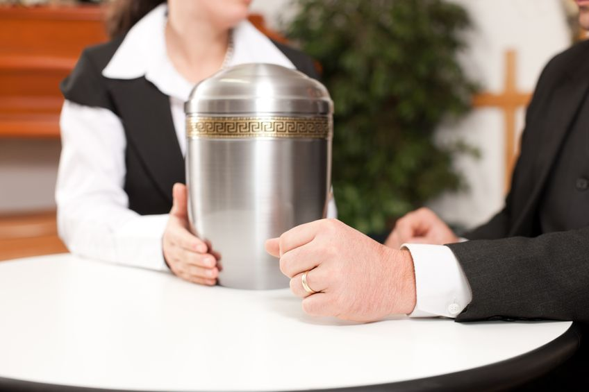 What to know about choosing a cremation urn phaneuf what to know about choosing a cremation urn solutioingenieria Image collections