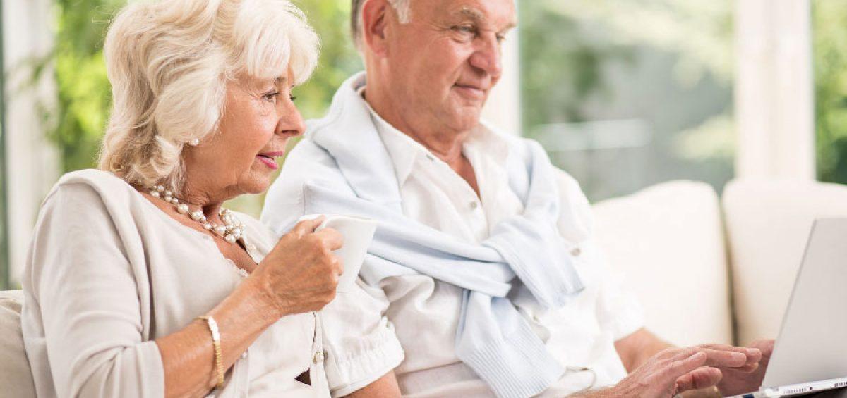 Seniors making online funeral arrangements
